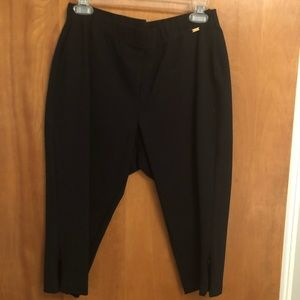 St John Capri pants